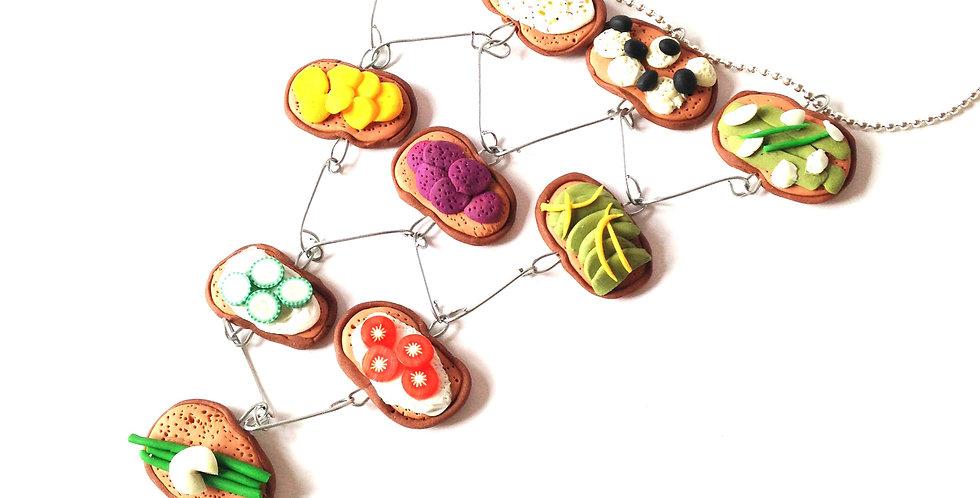 Collier plastron LES TARTINES SUÉDOISES, tartines miniatures