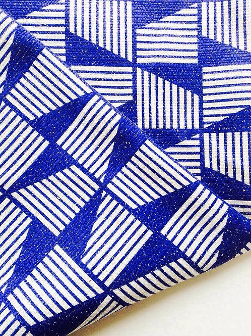 Tissu - coupon motifs géométriques bleu klein 60 x 60 cm