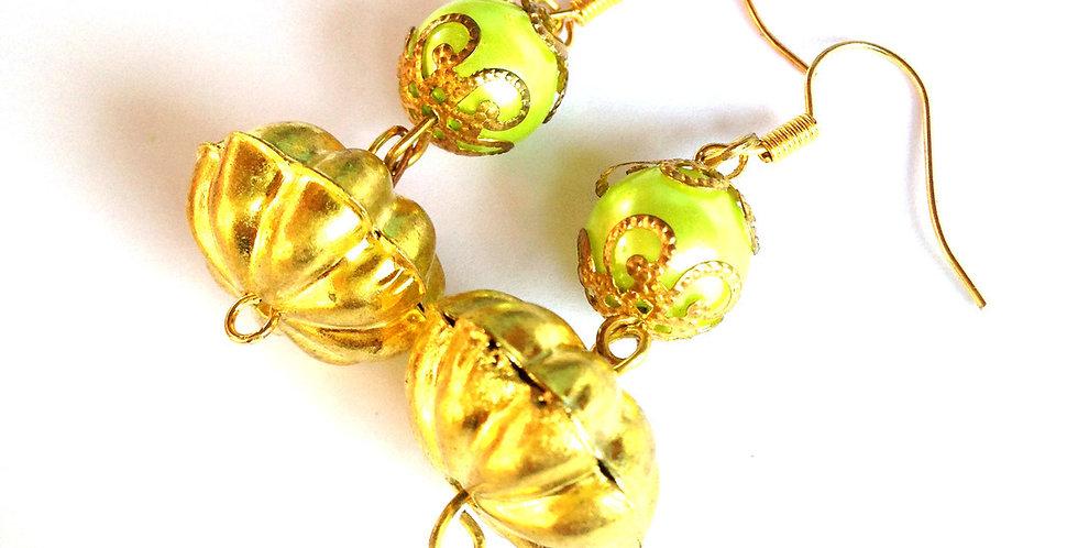 Boucles SATUN, dorées et vert amande