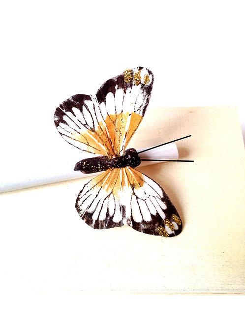 Crayon en papier recyclé, décoré avec papillon en plume