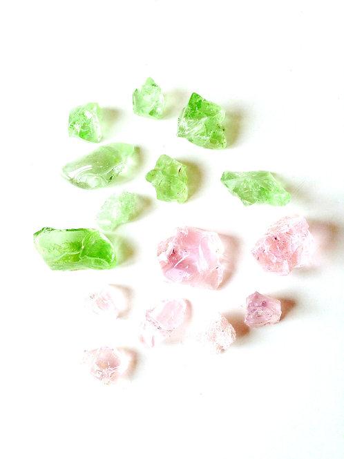 Lot de petits cailloux de verre, rose et vert pastel