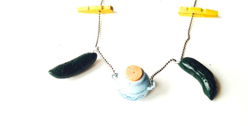 Sautoir LES P'TITS CORNICHONS, miniatures par The Sausage