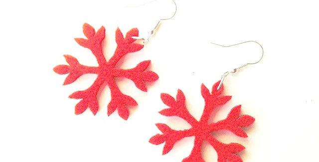 Boucles d'oreilles PETITS FLOCONS de neige rouges, en feutrine