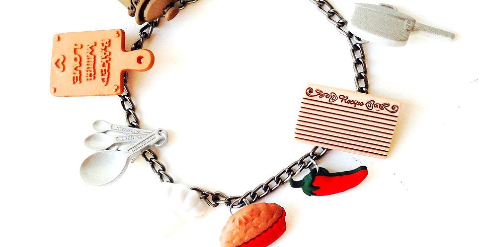 Bracelet LA CUISINE CALIENTÉ, petits charms plastiques