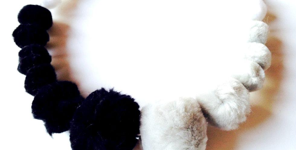 Collier ras du cou DUELLE, gris / blanc / noir