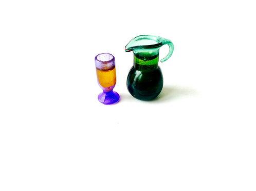 Cruche miniature avec verre, remplis, échelle 1:12