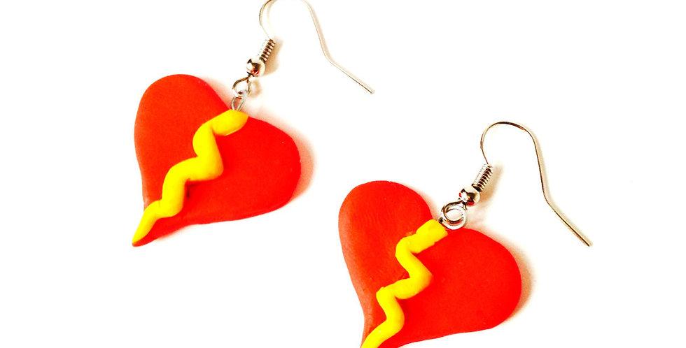 Boucles d'oreilles COUP DE FOUDRE, petits coeurs avec éclair, par saucisse