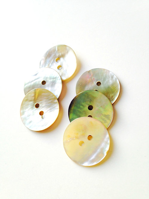 Lot de 6 jolis boutons ronds en nacre véritable, très fins, blanc irisé