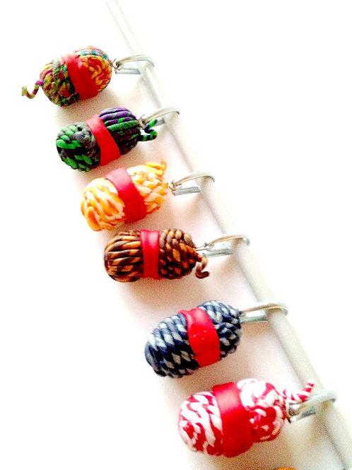 Lot de 10 marque maille / anneaux marqueurs de tricot, pelotes miniatures, laine