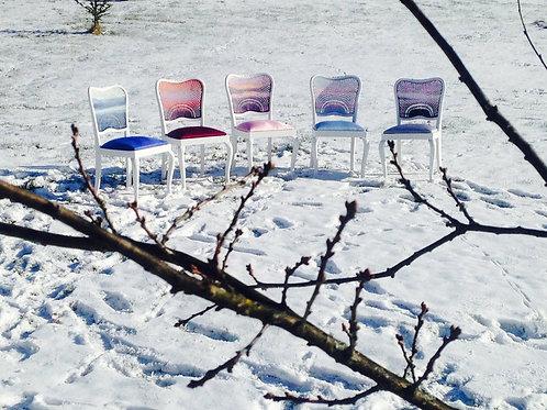 Chaises Baikal, assise tapissée et dossier canné peint, SophieLDesign