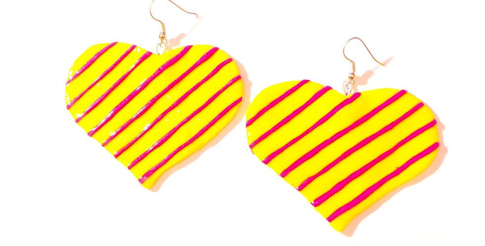 Boucles d'oreilles INGRID, coeur géant en pâte polymère, jaune & rose