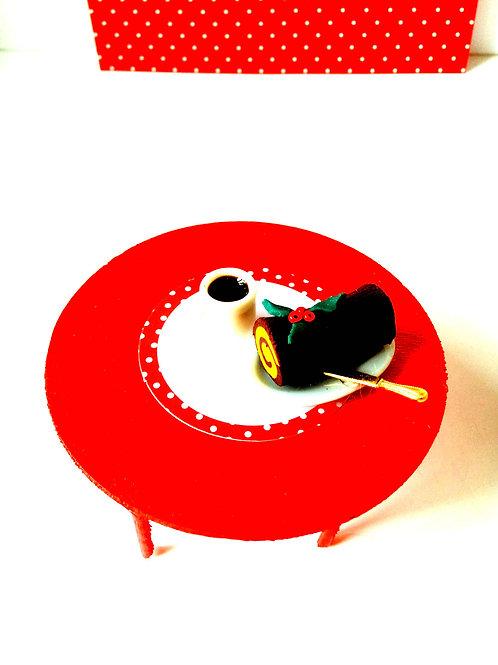 Table miniature rouge, pour maison de poupée, ronde