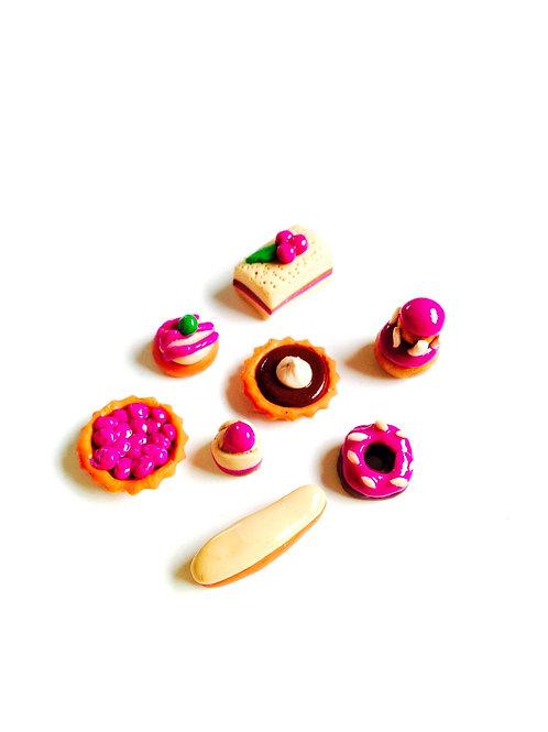 Ensemble de 8 pâtisseries miniatures pour vitrines, déco, créations, en fimo