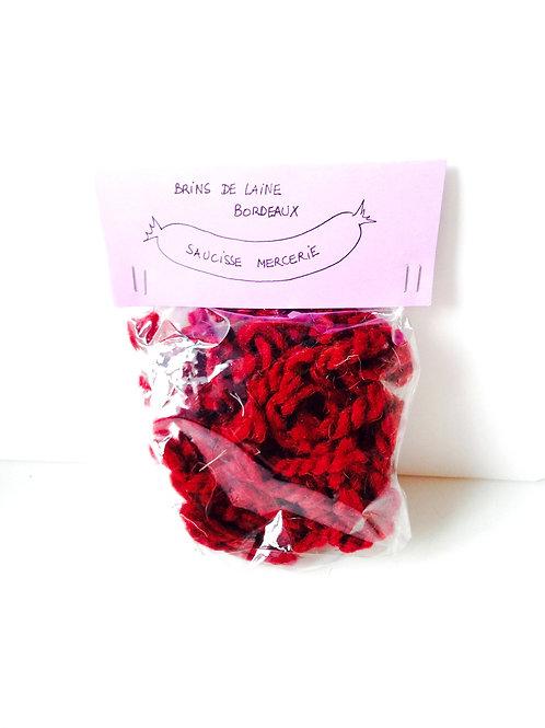 Brins de laine pour décor, pour tapis, cheveux de poupée, etc