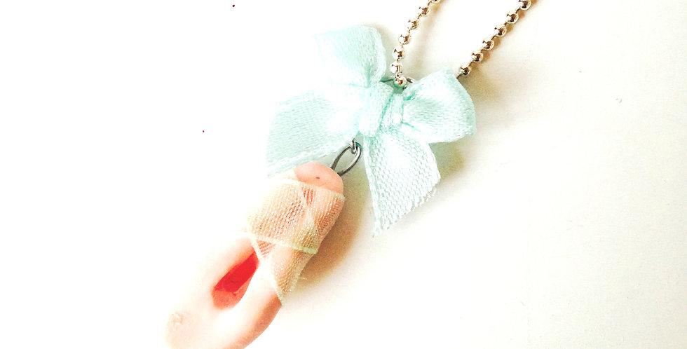 Sautoir LE BALLET, petit chausson de danse miniature