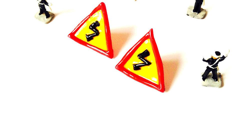 Puces d'oreilles HAUTE TENSION, panneaux de signalisation