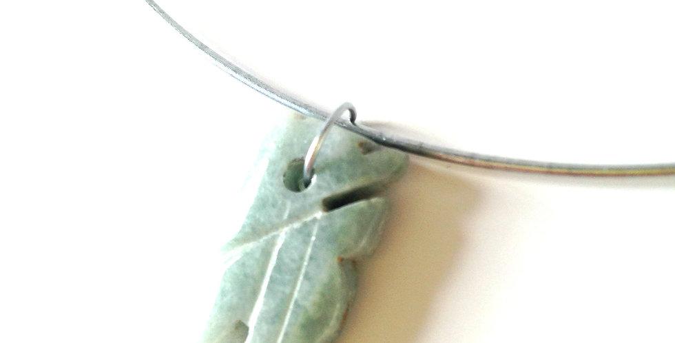 Collier ras du cou LIONNE, pendentif en jade sculptée