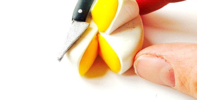Sautoir LE P'TIT CLACOS, camembert coulant miniature, avec couteau.