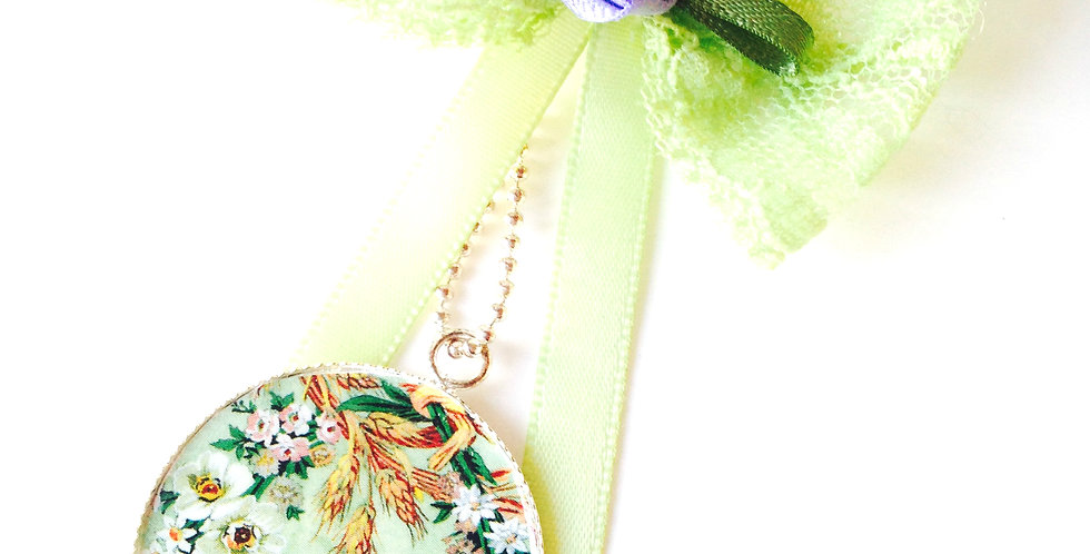 Sautoir PRINTEMPS, vert feuillage, noeud vert clair et mauve