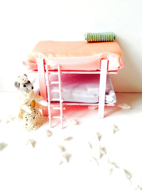 Lit miniature à deux étages, rose, pour maison de poupée