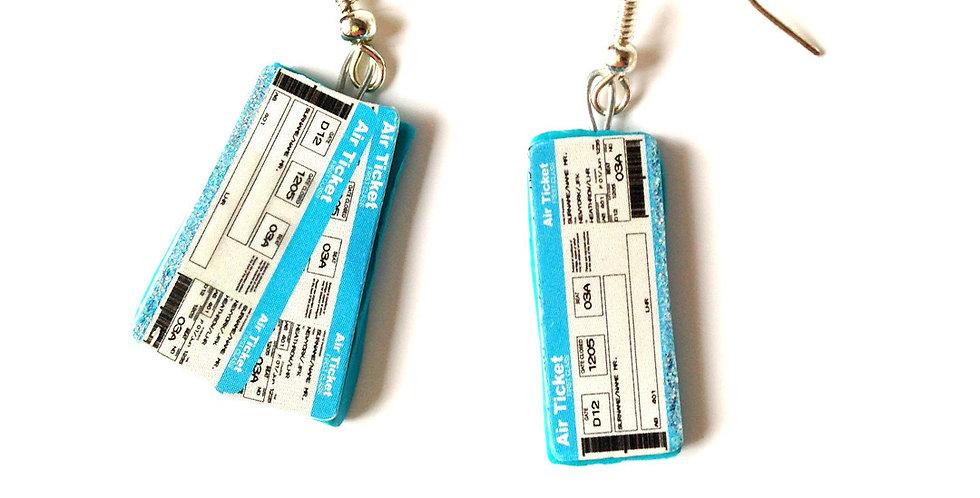 Boucles J'AI UN TICKET, billet d'avion miniature par Saucisse