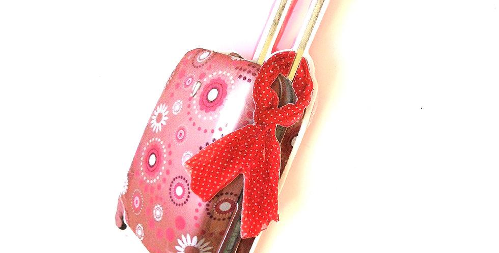 Sautoir LA CHOCHOTTE, valise à roulette rose