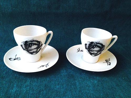 Tasses et sous tasses LIMOGES rose noire, pièces rares, lot de 2 pour café