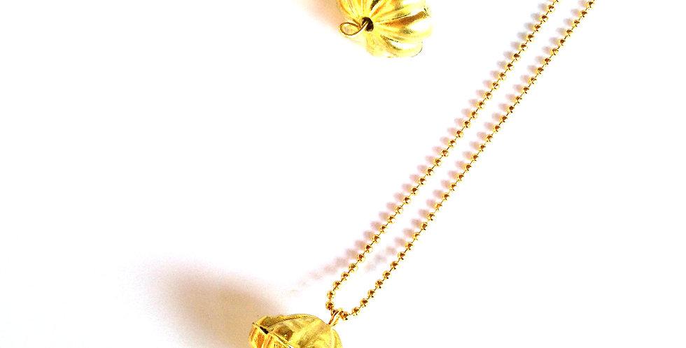 Parure SATUN, perles dorées et vert amande