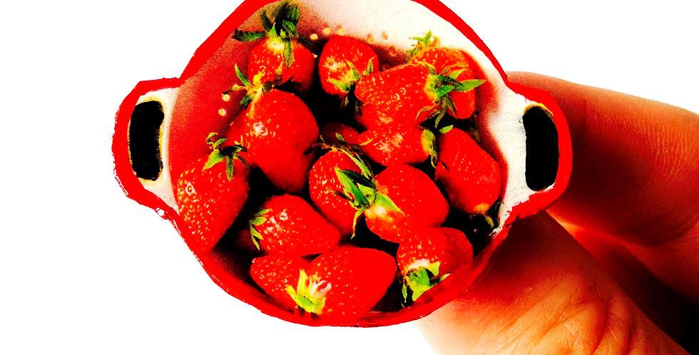 Broche -- LA RÉCOLTE DES FRAISES, mini passoire de fraises