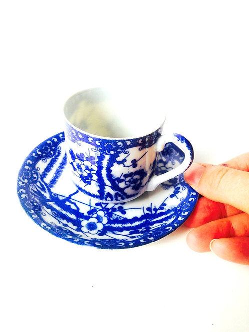 Tasse et sous tasse, porcelaine ultra fine du Japon