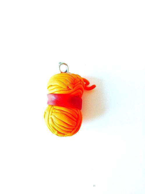 Pelote de laine en pâte polymère