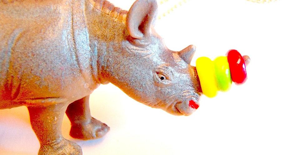 Sautoir RHINOPLASTIE, rhinocéros multicolore