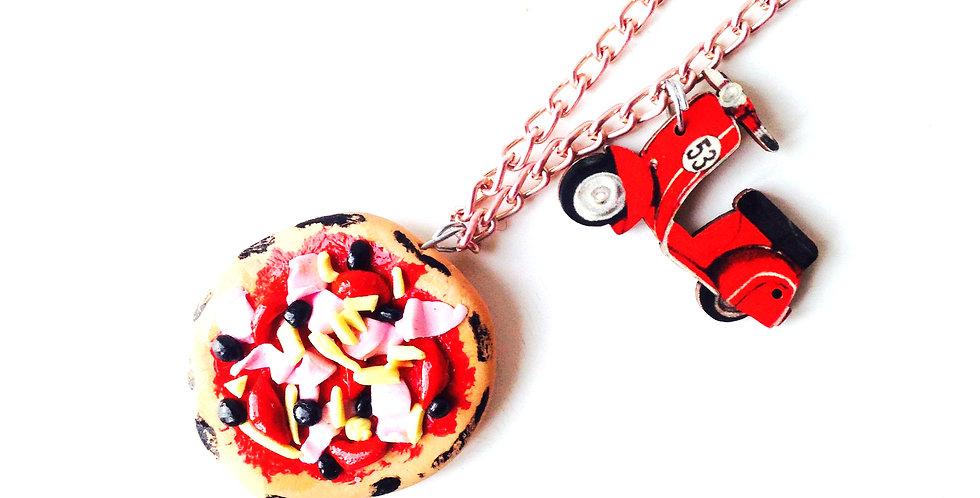 Sautoir DOLCE VITA, à POSITANO, pizza miniature, petit charm vespa bois, rouge