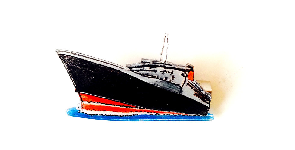 Broche BON PORT, bateau en plastique fou