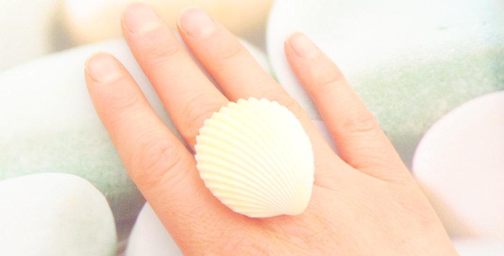 Bague GRAND COQUILLAGE, anneau argenté ajustable par All Things Natural