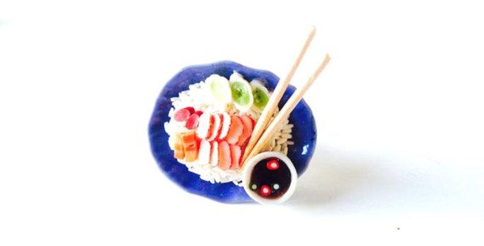 Bague LE RESTAU THAI, plat miniature riz porc et baguettes