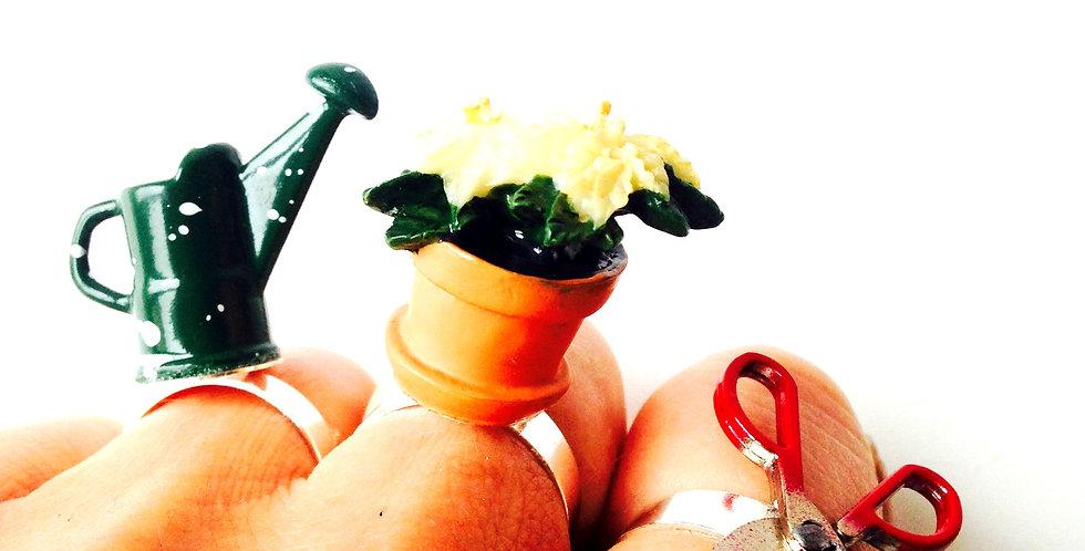 Bague triple LE P'TIT JARDIN, arrosoir, pot et ciseaux de taille miniatures