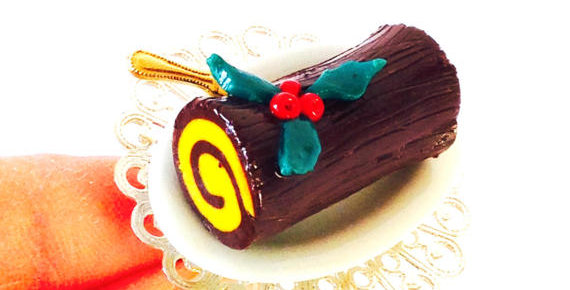 Bague LA BÛCHE DE NOËL ! dessert miniature
