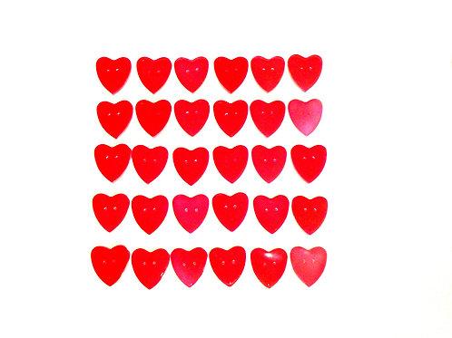 30 boutons en forme de coeur en résine rouge, faits main SUR COMMANDE