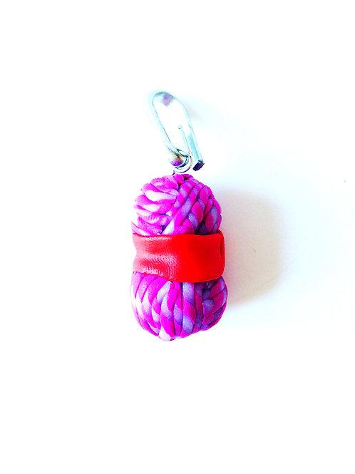 Breloque Pelote miniature, pâte polymère, faite main, violet, bleu