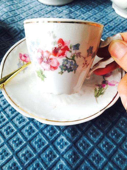 1 tasse et soucoupe Limoges Malbec décoration florale