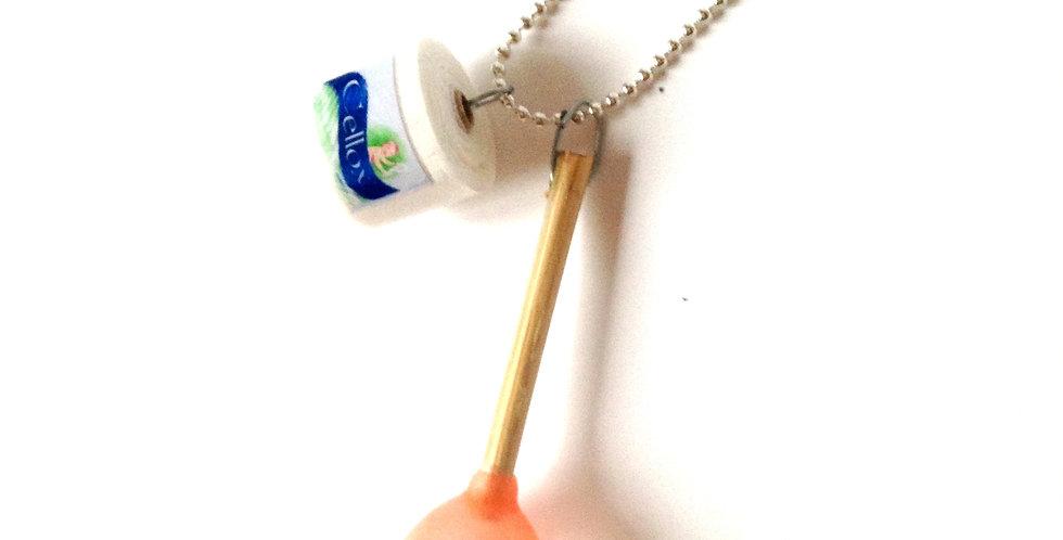 Sautoir MADAME PROPRE, papier toilette miniature