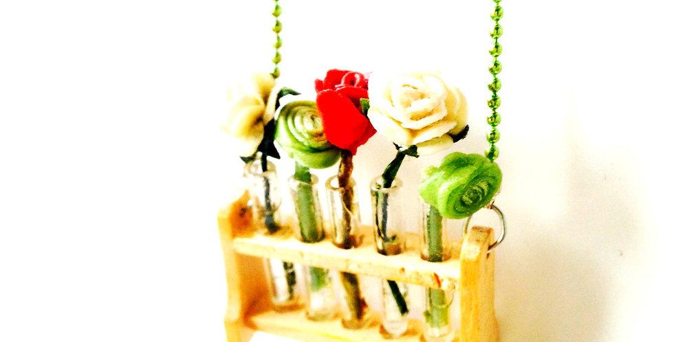 Collier J'AIME LES FLEURS, roses miniatures