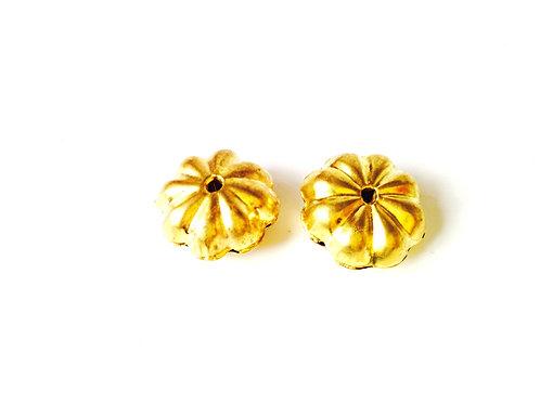 Lot de 2 perles fleur, métal doré, percées taille 1,5 cm
