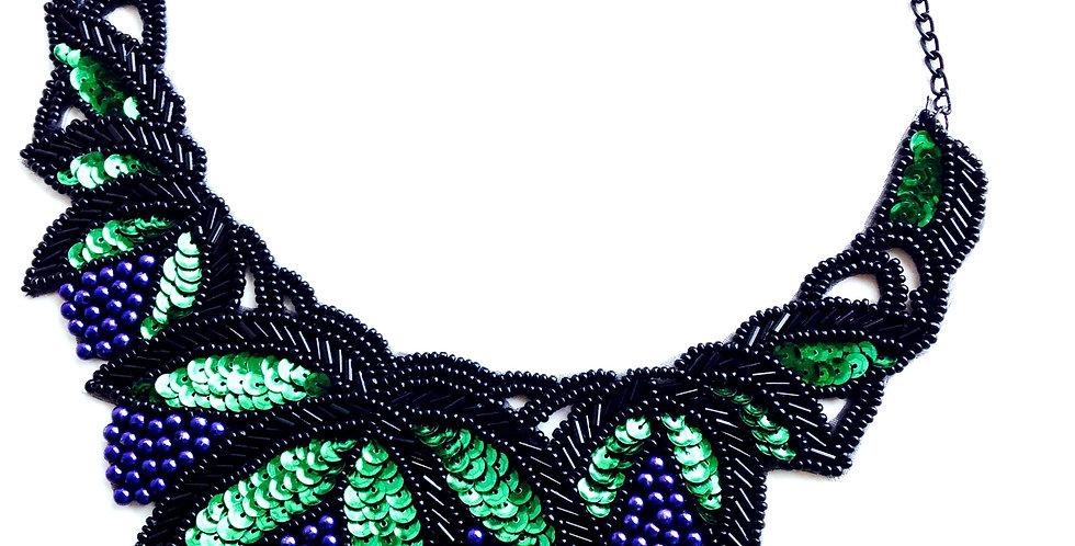 Collier guipure sequins LES VENDANGES, noir / vert / violet