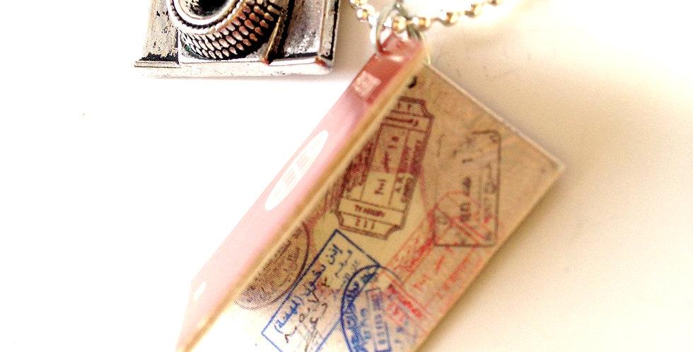 Sautoir LE SAFARI PHOTO, passeport miniature