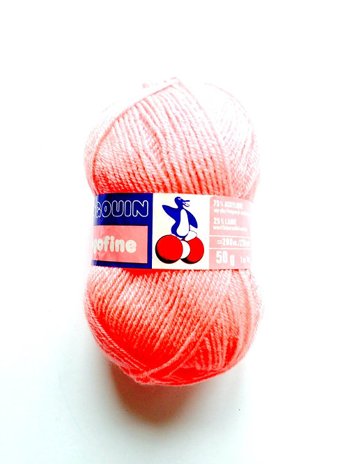1 pelote de laine 50 g. corail, acrylique 75% aiguilles 2.5/3