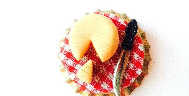 Magnet -- LE P'TIT MUNSTER, fromage miniature fait main The Sausage