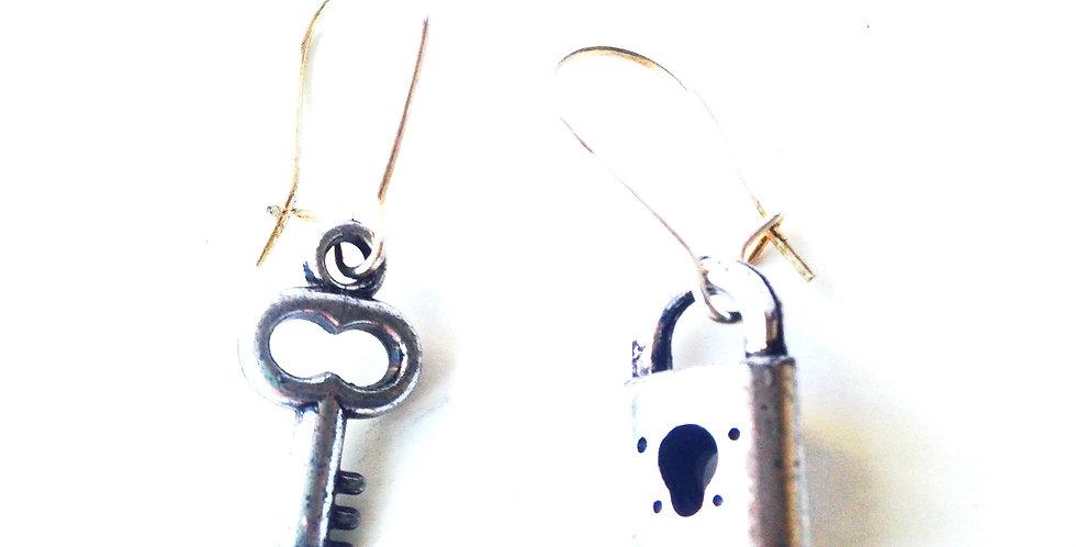 Boucles d'oreilles TOI ET MOI, petite clé miniature et cadenas