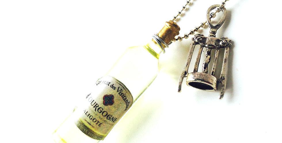 Sautoir LE BOURGOGNE ALIGOTÉ, bouteille miniature par The Sausage